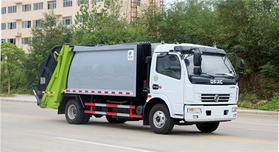 东风8方压缩式垃圾车(多利卡)